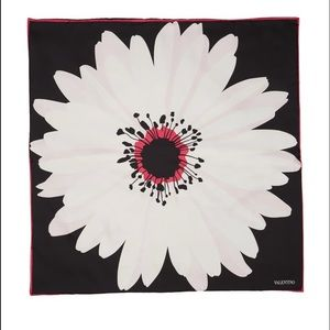 NEW Valentino Daisy Silk Square Puff Scarf